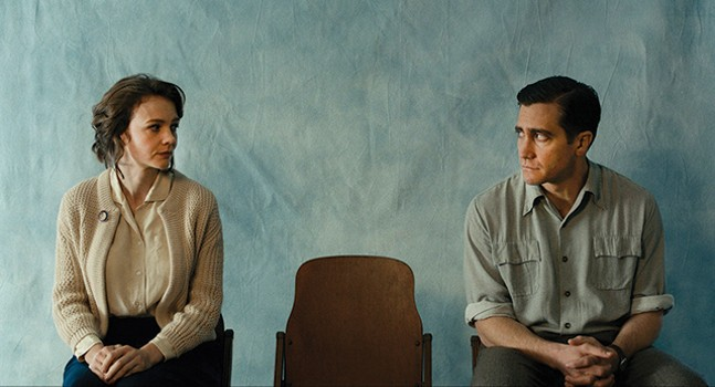 Carey Mulligan and Jake Gyllenhaal in Wildlife - IFC FILMS