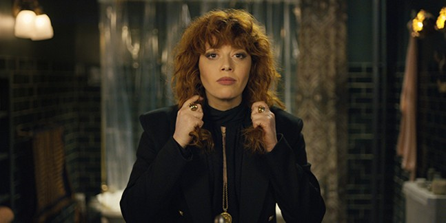 Natasha Lyonne trapped at her birthday party in Russian Doll - NETFLIX