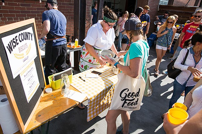 Brunch fest - PHOTO: MITCHELL STRAUB PHOTOGRAPHY