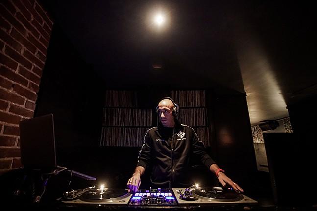 DJ Samuel Andres