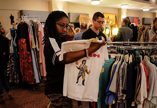 Shoppers at the Pittsburgh Vintage Mixer - PHOTO: PITTSBURGH VINTAGE MIXER