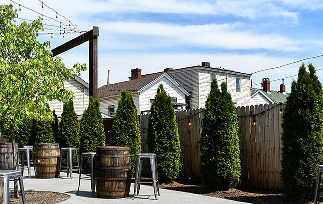 Outdoor seating at Hitchhiker Brewing Co. - HITCHHIKER BREWING CO.