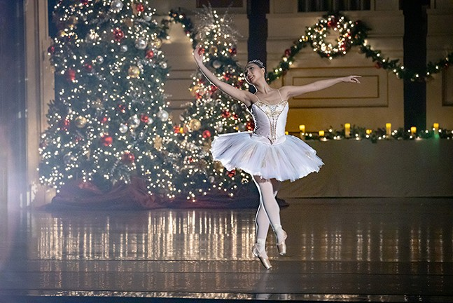 Pittsburgh Ballet Theatre dancer in Pittsburgh Symphony's Tapestry of Light: A Holiday Celebration - PHOTO: ED DEARMITT
