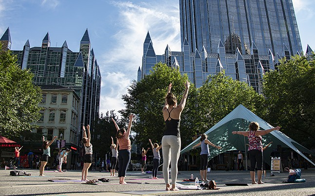 Yoga in the Park - PHOTO: PITTSBURGH DOWNTOWN PARTNERSHIP