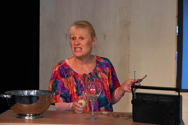 Shirley Valentine at Little Lake Theatre - PHOTO: CARINA IANNARELLI