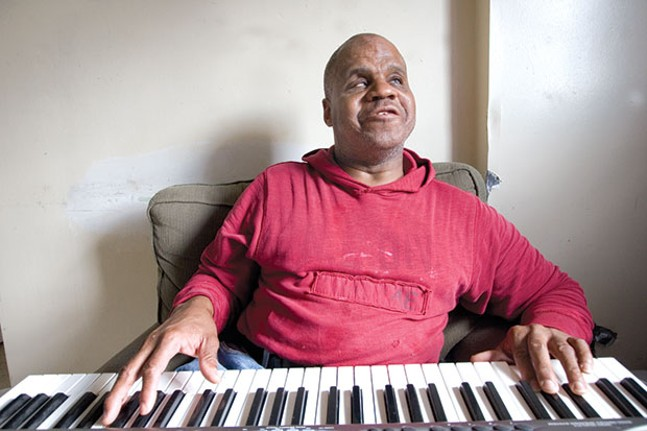 Bill Dorsey, a blind-street-corner blues singer and one of Pittsburgh's most distinctive voices, in 2007 - CP FILE PHOTO