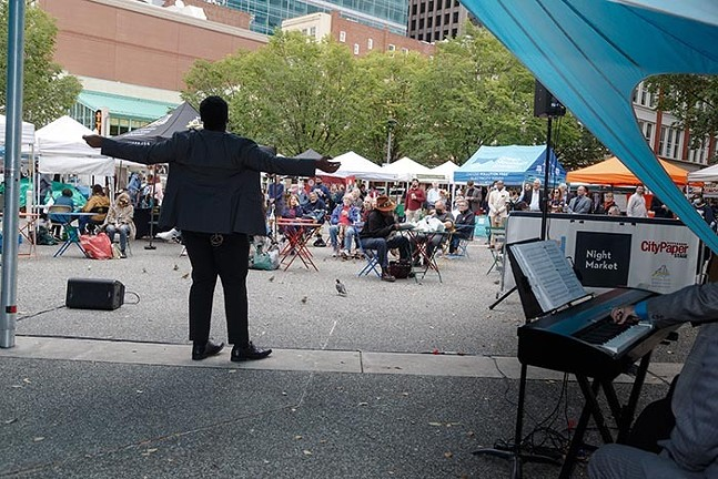Pittsburgh Opera in Market Square - PHOTO: DAVID BACHMAN PHOTOGRAPHY