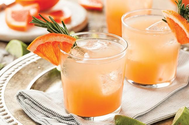 Grapefruit and tequila palomas