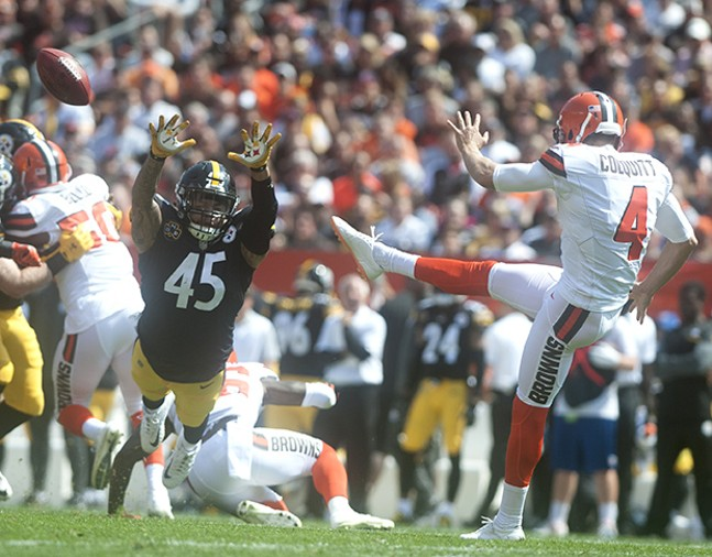 Roosevelt Nix almost gets the Steelers second blocked punt of the day against Browns punter Britton Colquitt.