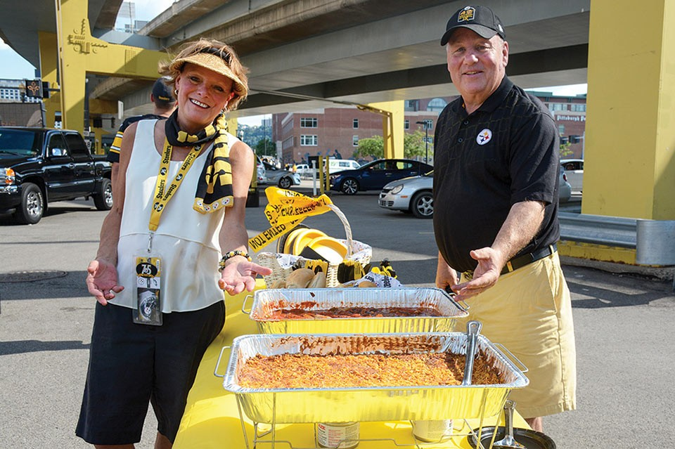 Steelers Tailgate - CP PHOTO BY STEPHEN CARUSO