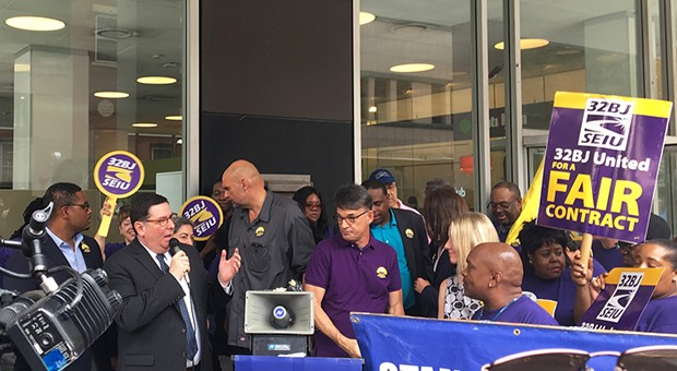 Pittsburgh Mayor Bill Peduto and Lt. Gov. candidate John Fetterman rally for security officers