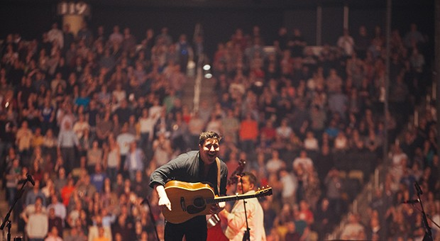 Mumford and Sons lights up PPG Paints Arena
