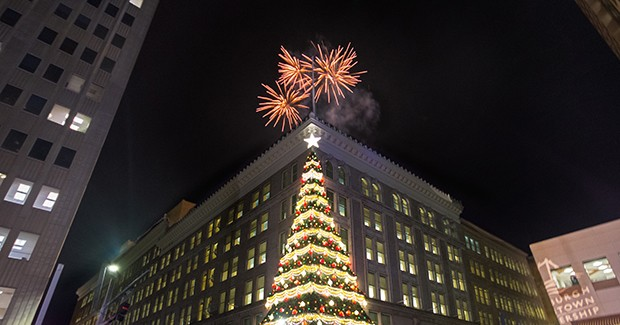 Light Up Night officially kicks off Pittsburgh's Holiday Season