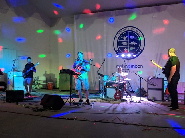 Pink Noise Band