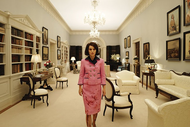 The day after: Jackie Kennedy (Natalie Portman) returns to the White House
