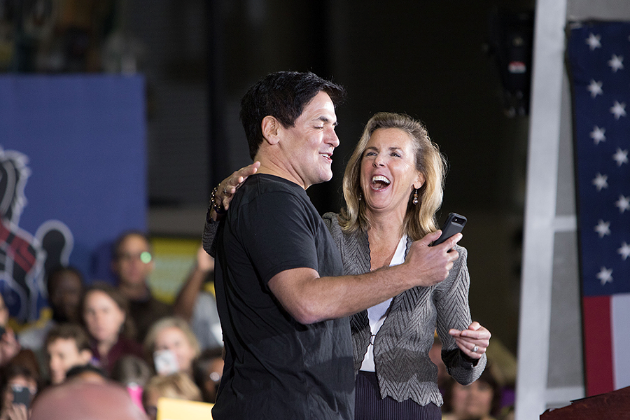 U.S. Senate Candidate Katie McGinty introduces Mark Cuban - CP PHOTO BY LUKE THOR TRAVIS