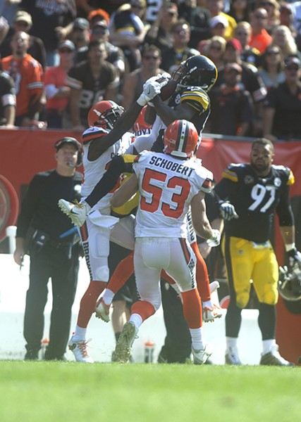 Antonio Brown seals the game with a leaping catch in double coverage late in the fourth quarter.