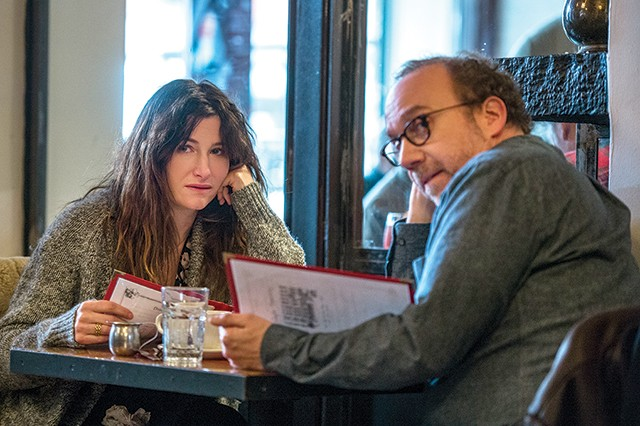 Private Life starring Kathryn Hahn and Paul Giamatti - NETFLIX