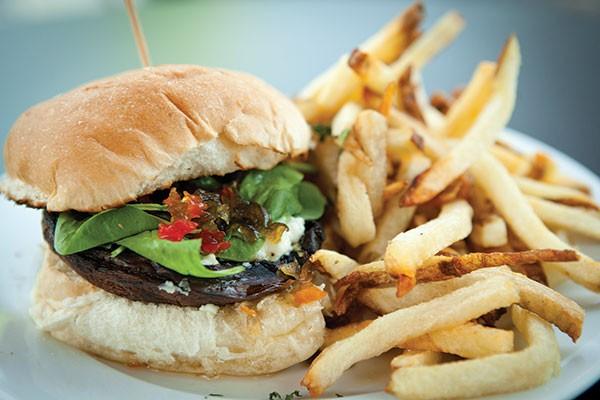 Pints on Penn   Dining Reviews   Pittsburgh   Pittsburgh ...