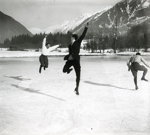 """Albert Heïdé, Francis Pigueron and Ostertag. Chamonix, January 1918,"" from Fast Cars and Femmes Fatales, at the Frick Art & Historical Center - PHOTO COURTESY OF JACQUES HENRI LARTIGUE© MINISTÈRE DE LA CULTURE FRANCE/AAJHL"