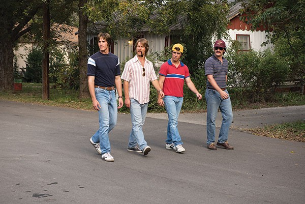 The dudes of Everybody Wants Some!! out walkin' and talkin'