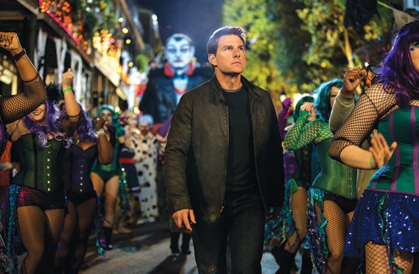 Jack Reacher (Tom Cruise), always followed by danger