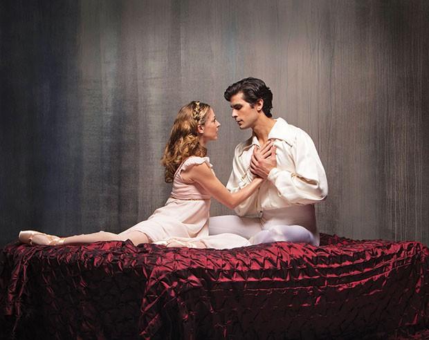 Alexandra Kochis and Alejandro Diaz in Pittsburgh Ballet Theatre's Romeo & Juliet