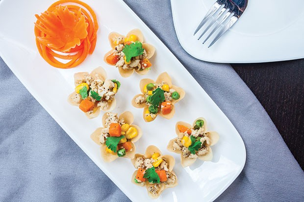 Kra tong thong: Herbed minced chicken, sweet corn and carrot in crispy pastry shells