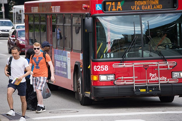 Students get off the 71 bus, a popular student route - CP PHOTO BY JAKE MYSLIWCZYK