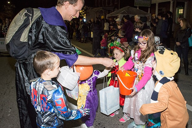 The 49th annual Bloomfield Halloween Parade on Thu., Oct. 26 - CP PHOTOS BY JAKE MYSLIWCZYK