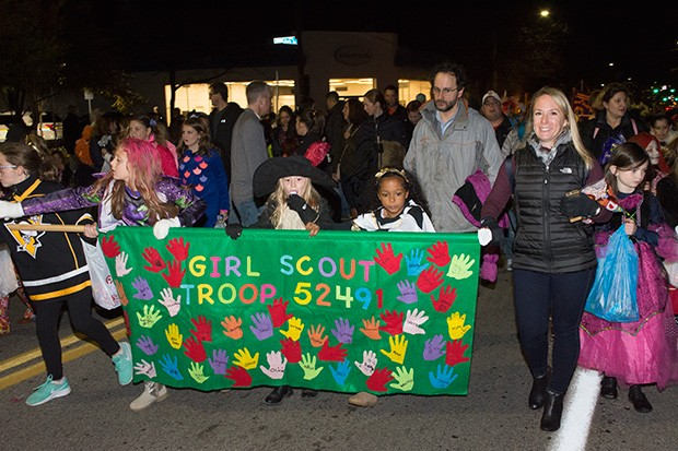 bloomfieldhalloweenparade16.jpg