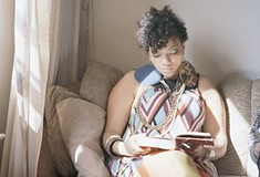 <i>Reading Women</i> exhibit at CMU gallery depicts women owning their spaces