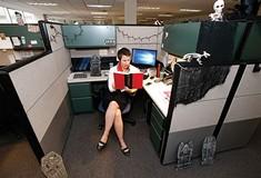 Which <i>City Paper</i> staffer pulled together a better design for her desk area?