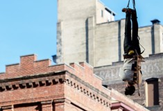Local magician Lee Terbosic recreates Harry Houdini stunt 100 years to the day, at the same location in Downtown Pittsburgh