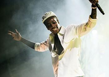 Wiz Khalifa and Snoop Dogg light up First Niagara Pavilion