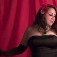 Viva Valezz talks about bringing her International Burlesque show to Pittsburgh - CP TV
