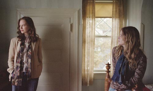 We are family: Nicole Kidman (left) and Jennifer Jason Leigh