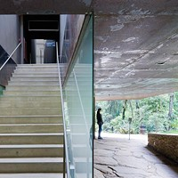 <i>White Cube, Green Maze</i> explores how architecture can open up to nature.
