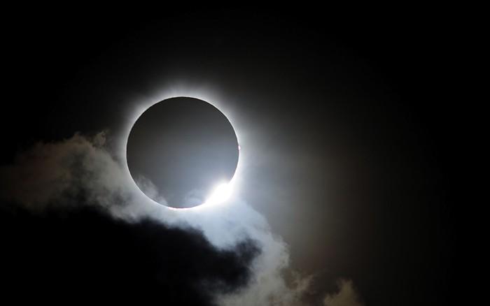 eclip.jpg