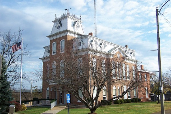 The courthouse in Salem, Missouri. Now that the county commission has changed its mind, flags will remain at full mast even on the 26th of the month. - PHOTO COURTESY OF FLICKR/J. STEPHEN CONN