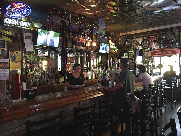 Stella Blues: A great place to drink, and a cheap one. - PHOTO BY KELLY GLUECK