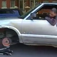 Man Driving With a Jack in Place of a Tire Is the Most St. Louis Thing Ever