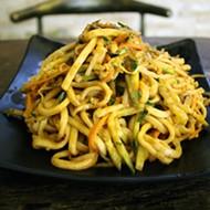 Tasti-Tea Offers Chinese Street Food in the Loop