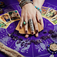 Best Psychics Near Me & Tarot Reading Near Me VS Online Readings - Which Is Better?
