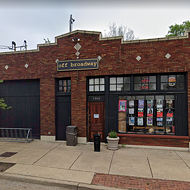 Off Broadway Reopening its Bar for Trivia, DJ Nights as Winter Weather Thaws