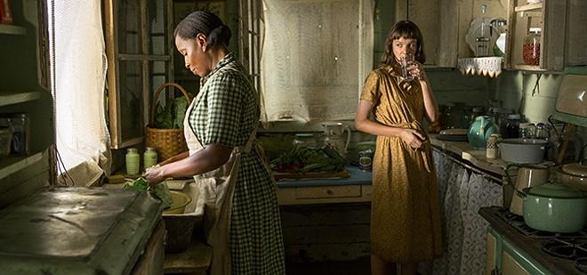 Laura McAllan (Carey Mulligan) is the new neighbor in Mudland. - STEVE DIETL/NETFLIX