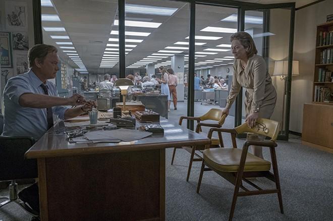 Ben Bradlee (Tom Hanks) and publisher Katharine Graham (Meryl Streep) weigh the balance between a scoop and social distress. - NIKO TAVERNISE © 2017 TWENTIETH CENTURY FOX FILM CORP AND STORYTELLER DISTRIBUTION CO LLC