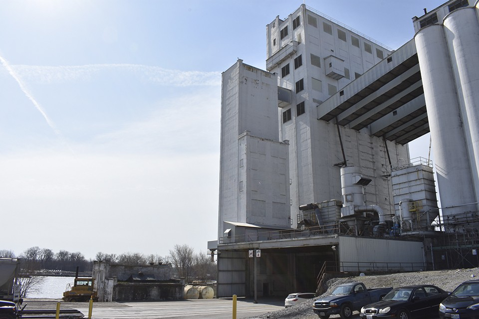 Italgrani USA mills semolina flour for pasta at its riverfront headquarters in south St. Louis' Patch neighborhood. - DOYLE MURPHY