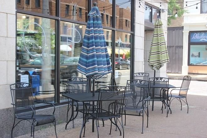 A temporary sign beckons diners on Delmar. - SARAH FENSKE
