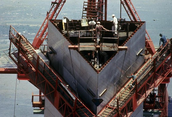 Workers on the Arch leg in the 1960s. More photos below. - NATIONAL PARK SERVICE, JEFFERSON NATIONAL EXPANSION MEMORIAL